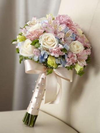 Bride Handtied