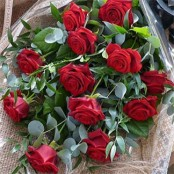 Traditional 12 Red Rose Bouquet